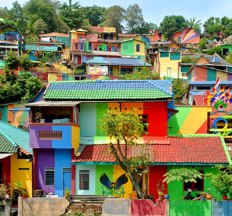 Regenbogendorf Kampung Pelangi in Indonesien