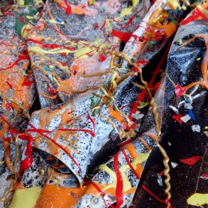 Macht aus Müll Kunst - Künstler Gilbert Angeles aus den Philippinen
